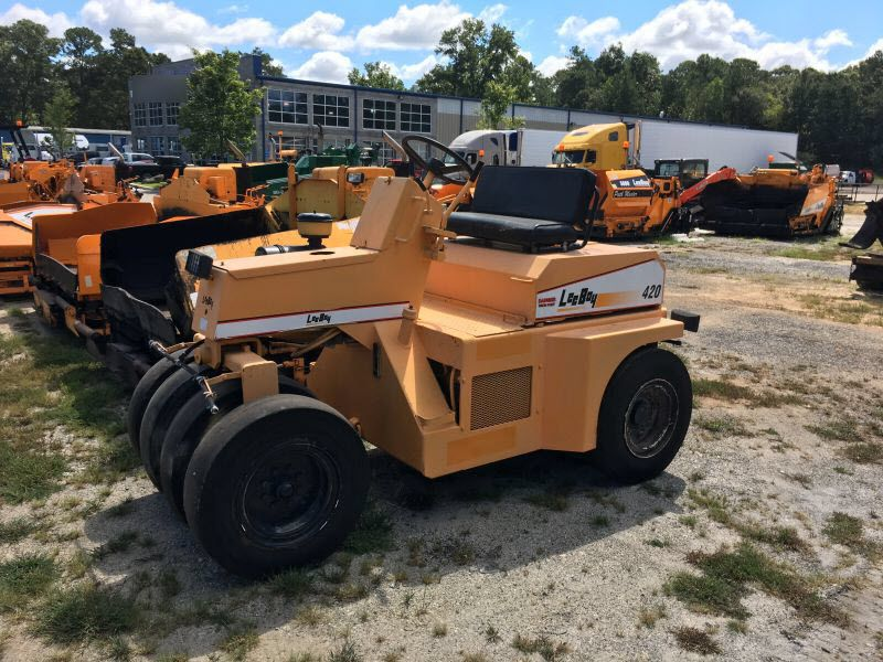 Used Rubber Tire Roller Leeboy 420 For Sale