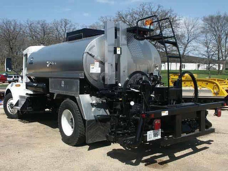 Etnyre Centennial 2000gal Asphalt Distributor Tank For Sale